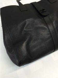 ビフォー トートバッグ テカリと中心部の芯に歪み